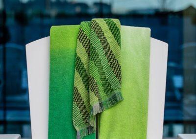 Tropical green jacquard towels